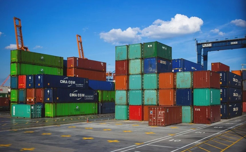 largest shipping container manufacturers